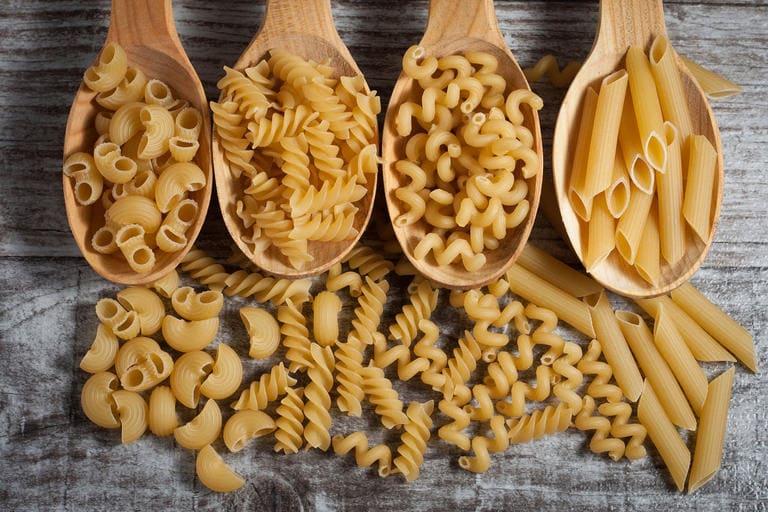 انواع المكرونة واسمائها واشكالها بالصور وطريقة اعدادها في المطبخ الإيطالي بناويت