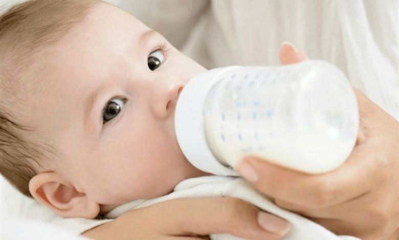ما الامور التي يجب مراعاتها عند القيام بالارضاع الصناعي