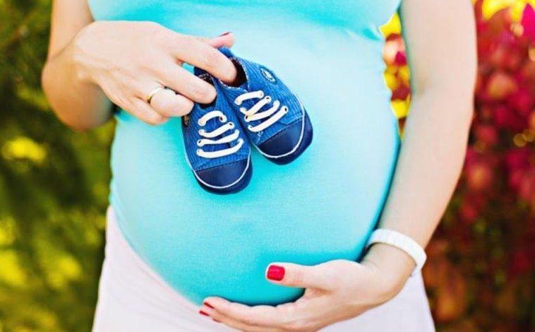 أعراض الحمل في الشهر الثامن بولد